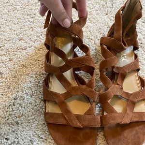 Splendid gladiator tan suede sandals